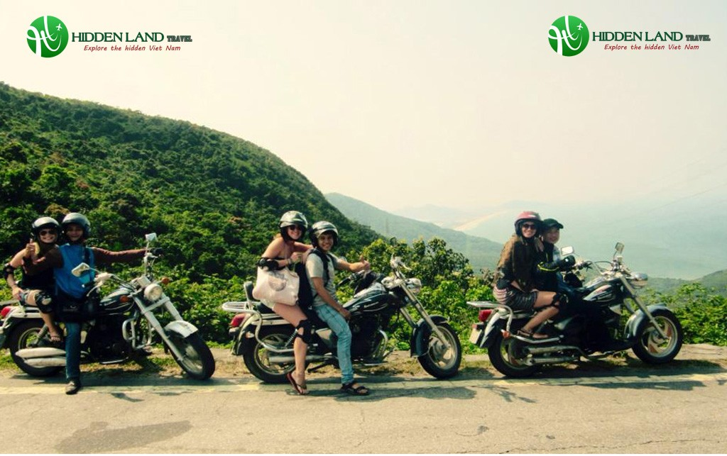 hue-to-hoi-an-motorbike-tour-top-gear-moutain