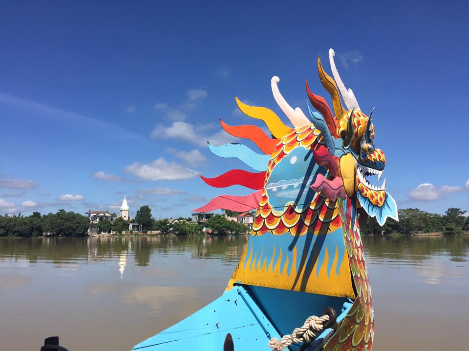 Why we should join in Perfume river tour Hue, Viet Nam