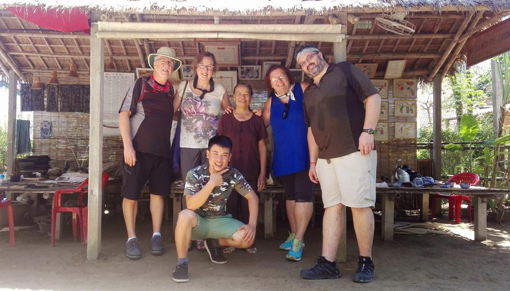 downstream-perfume-river-tour-Hue vietnam
