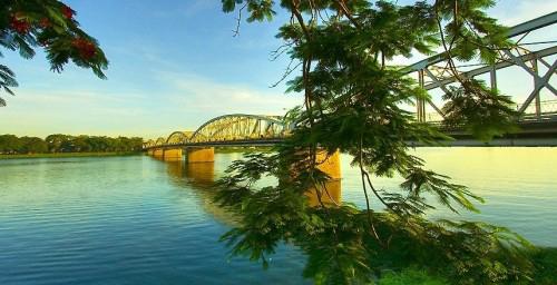 HUE PERFUME RIVER – HIDDEN LAND TRAVEL