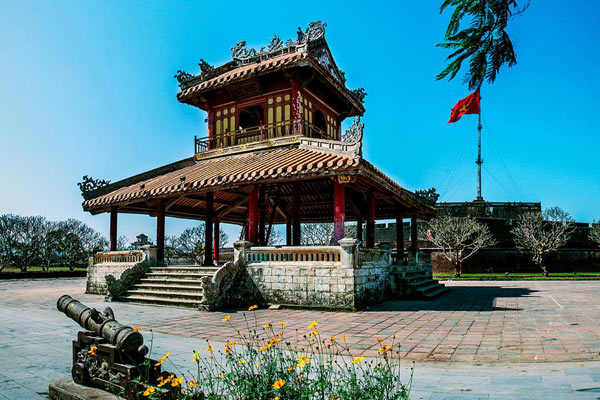 phu-van-lau-hue-vietnam