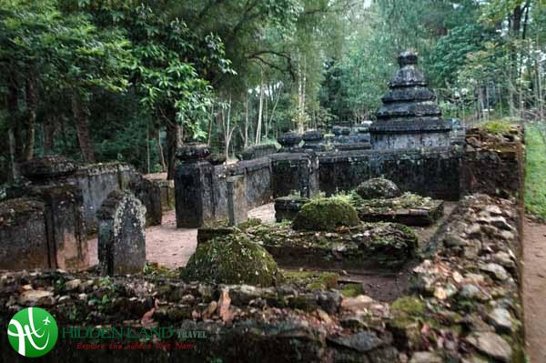 Tu Hieu temple Hue Viet Nam