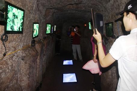 Vinh Moc tunnel Quang Tri Viet Nam