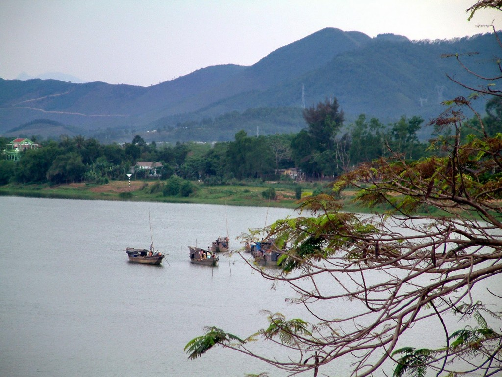 perfume-river-of-hue-attractions