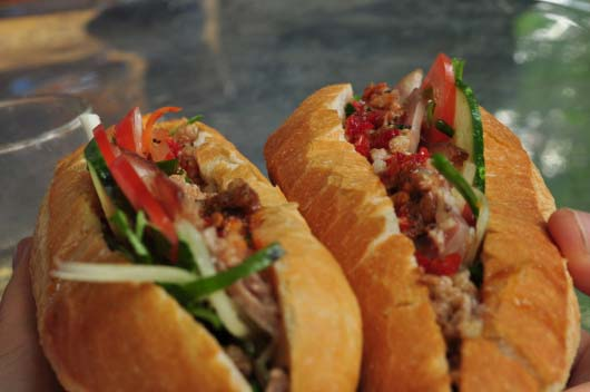 hoi-an-banh-mi-street-food
