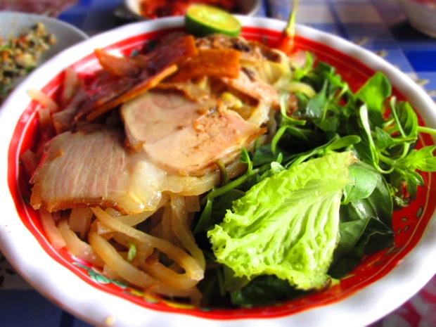 cao-lau-vietnam
