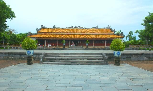 hue-imperial-city-dai-trieu-nghi