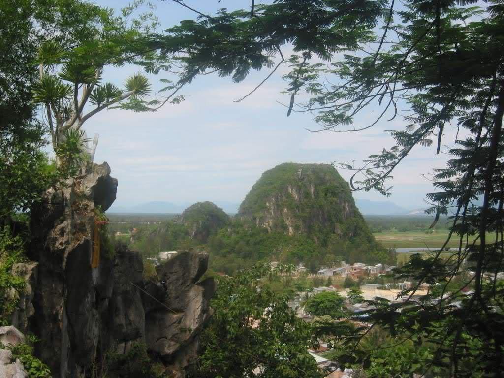 thuy-mountain-marble-mountain-1