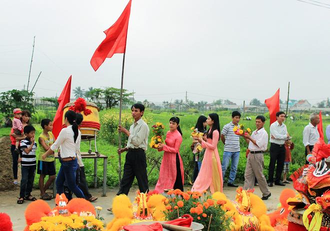 Cau-Bong-festival in tra que village