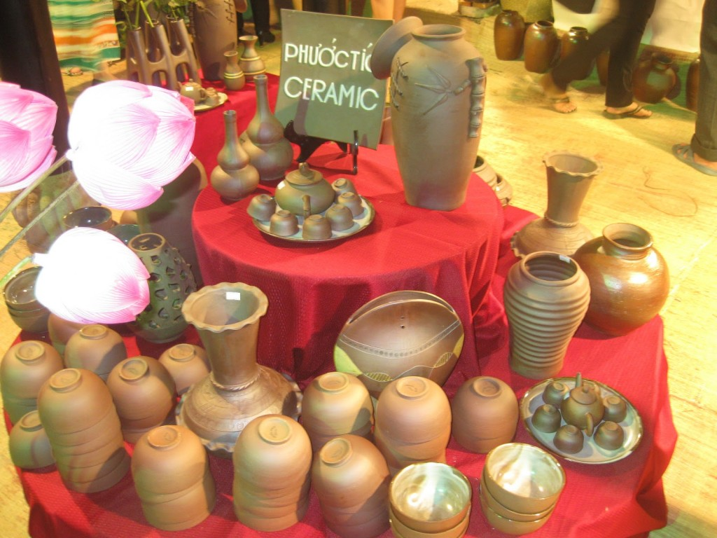 Phuoc Tich ancient village ceramics