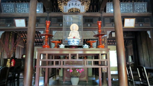 an hien garden house hue inside