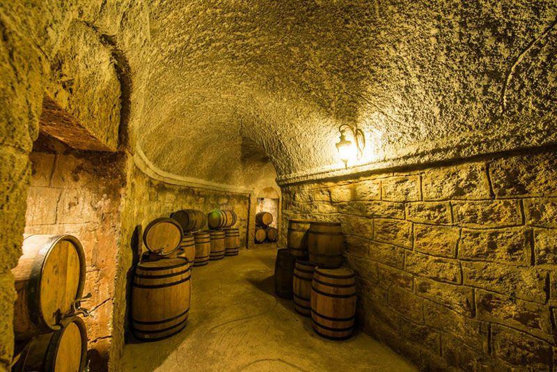 wine-in-centennial-cellar-in-ba na hill