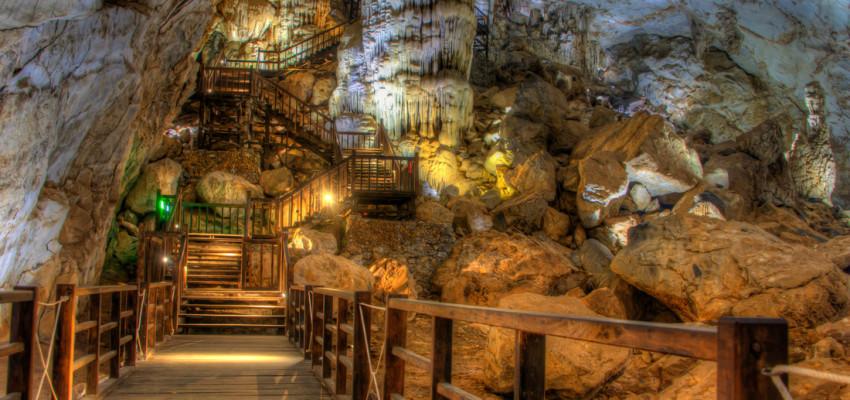 Paradise Cave Tour Phong Nha